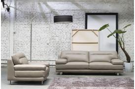 Kelvin Giormani lædersofaen Ferla l ses her på dette billede i en indretning.