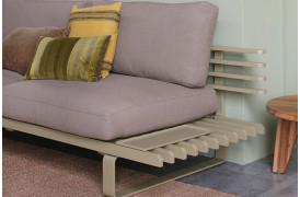 Smuk lounge sofa i aluminium i farven Olive.