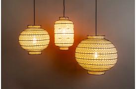 Her ses et billede af Ming loftslamperne fra Dutchbone.