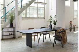 Wood by Kristensen har skabt et flot spisebord med New Cool spisebordet.