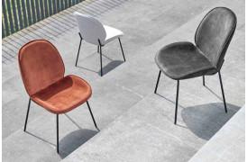 Freja spisebordsstol til dit spisebord fra NordKomfort, der her kan fås i tre farver.