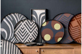 Geometriske mønstre der møder farverige toner pryder Urban Geometry serien.