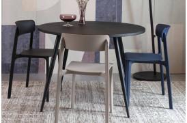 Olive spisebordsstol fra Decoholic udbydes i fire flotte farver til boligindretningen.