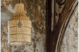 Her ses et billede af Maze bottle lamperne i natur fra vores Unika Collection.