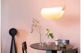 Her ses et billede af Rani loftslampe / pendel i pink fra Zuiver.