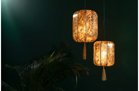 Her ses et billede af de to Suoni loftslamper /pendler fra Dutchbone.