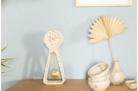 Her ses et billede af Pendulum Time terrazzo ur fra Zuiver.