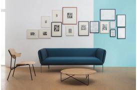 Impression stofsofaen hos BoShop ses her i en flot indretning.