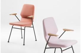 Oblique stole familien er blevet udvidet med denne spisebordsstol med metalstel.