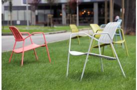 Osmo er en serie af stole, der er udviklet til terrasser til hoteller og restauranter.