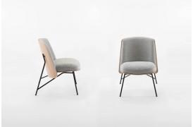 Billedet viser Tinker lænestolen i en position set fra siden og forfra.