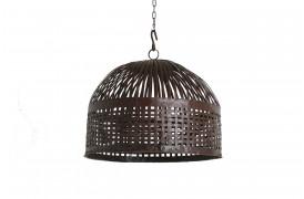Her ser du et billede af den flettede jern lampe fra vores Unika Collection.