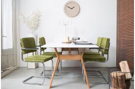 Du kan vælge imellem et væld af farver på Ridge Rib spisebordsstolen med armlæn fra Zuiver.