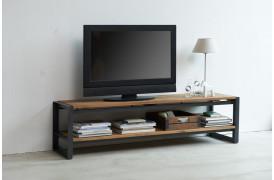 Her på billedet ses det rustikke Fendy tv-bord i bredden 150 cm.