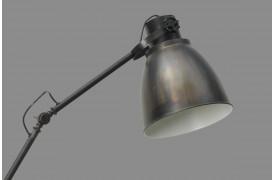 Smokestack lampen består af en tofarvet lampseskærm.