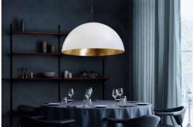 Loftslampe i rustik stil i boligen med Larino lamperne.