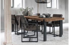 Leder du efter en spisebordsstol i den rustikke stil.