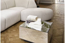 Dette smarte bord kan du både bruge som sofabord og sidebord.