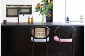 Her ses et billede af Spike barstolene fra Zuiver.