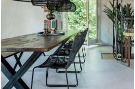 Her ses et billede af Jane udendørsstol i sort fra vores Unika Collection.