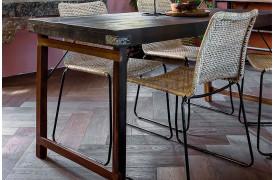 Her ses et billede af folde spisebordet i sort fra vores Unika Collection.