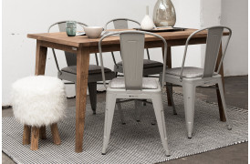 Bemærk venligt, at dette billede viser spisebordet i den tidligere størrelse på 150 cm.