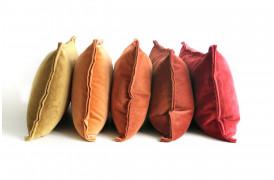 Tom velour pudebetræk findes i flere farver og er lavet af en meget blød velour