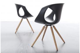 Tonon spisebordsstolen Up chair wood med Medium Soft touch har masser af Quality living.