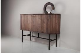 Velvet er en skænk i mokka brun olieret ask med et rundt retro design fra Wood by Kristensen.