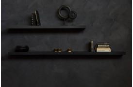 Wall Eg Black - hylde i sort fra Ethnicraft der udbydes i tre forskellige størrelser.