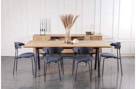 Flex spisebordet her vist i Naturolieret (C4 Oak) og med Bentype Retro 2 (N).