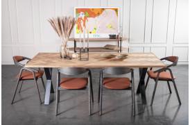 Patricier spisebordet er et bord med sildebensmønster fra Wood by Kristensen.