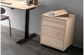 Smart Desk skuffemøblet er en del af en kontorserie fra Wood by Kristensen.