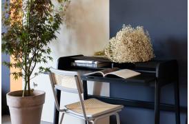 Barbier Black serien fra Zuiver findes også som et skrivebord til boligen.