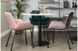 Brit er en elegant spisebordsstol med et flot design.