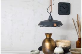 Dek 40 er navnet på en lampe fra det hollandske designmærke Zuiver.