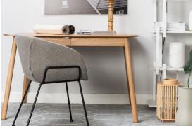 Feston spisebordsstol er en stol med armlæn.
