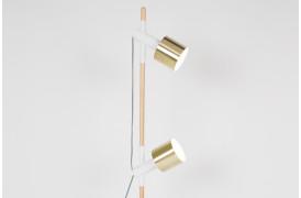Ivy gulvlampens lyskilder kan justeres op og ned ved hjælp af gummiringene.