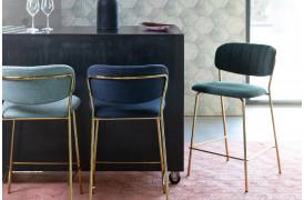Jolien barstol fra Decoholic fås i 6 flotte farver til din boligindretning.
