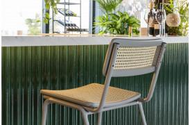 Jort barstolen fra Zuiver fås i 3 flotte farver til din boligindretning.