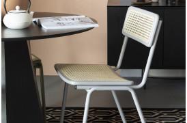 Jort spisebordsstolen fra Zuiver fås i 3 flotte farver til din boligindretning.