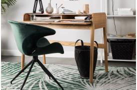 Mia er en indbydende spisebordsstol med et flot design.