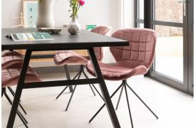 Zuiver er kommet med deres OMG spisebordsstol i en flot fløjls model.