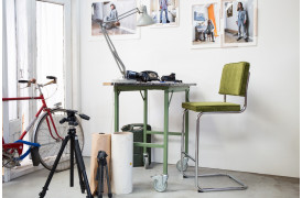 Du kan vælge imellem et væld af farver på Ridge Rib barstolen fra Zuiver.