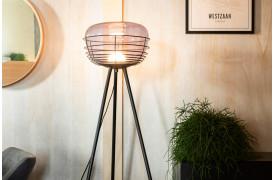 Smokey lampeserien har en kugle af lys, der ser ud til at være bur i en tonet glasskål.