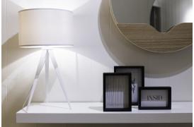 Zuivers smukke bordlampe fås også med Hvid skærm / hvidt stel.