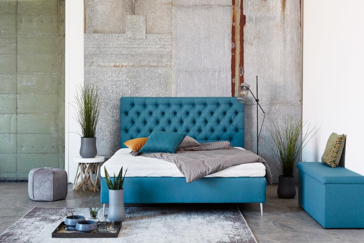 Smuk indretning med seng hos BoShop.