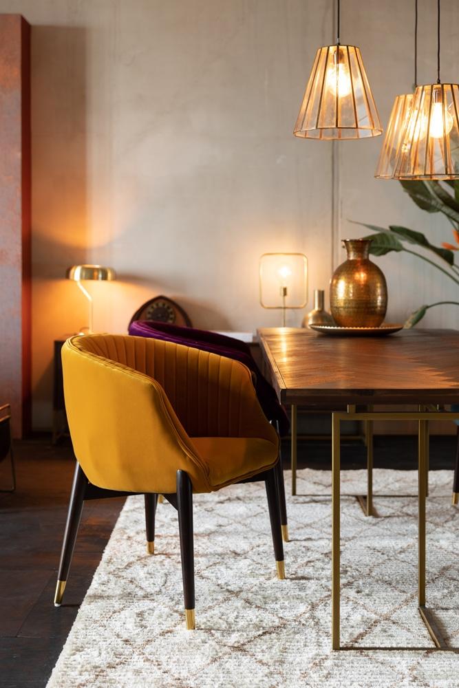 Dette er et billede af en spisebordsstol.