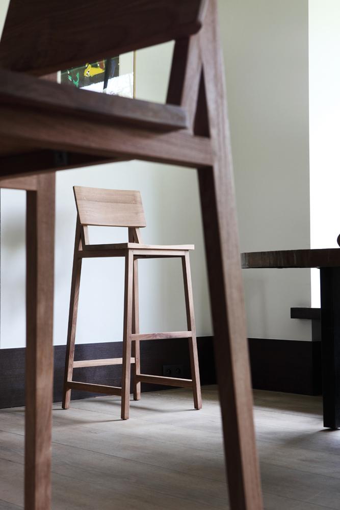Moderne barstol hos BoShop.