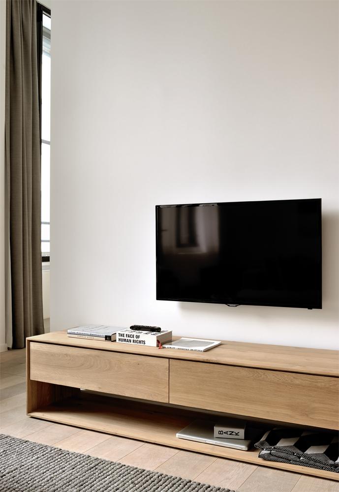 Smuk indretning med tv-bord hos BoShop.